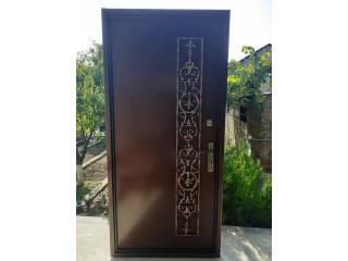 Երկաթյա մուտքի դուռ