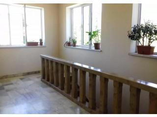 Երկու հարկանի քարե տուն Մոմիկի փողոցում Եղեգնաձորում, 800 ք.մ., 2 սանհանգույց, կապիտալ վերանորոգված