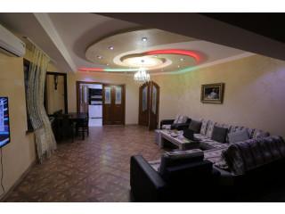 Վաճառվում է 3 սենյականոց բնակարան Արամ Խաչատրյանի փողոցում, 90 ք.մ., 2 սանհանգույց,